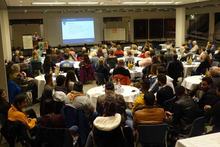 Flensburg: Fortschreibung des Integrationskonzepts erfolgreich gestartet – Treffen in der Bürgerhalle