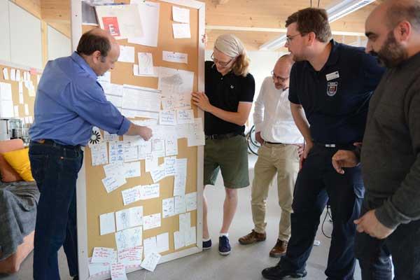 Grenzenlose Gefahrenabwehr: Flensburger Studierende entwickeln App für Feuerwehren