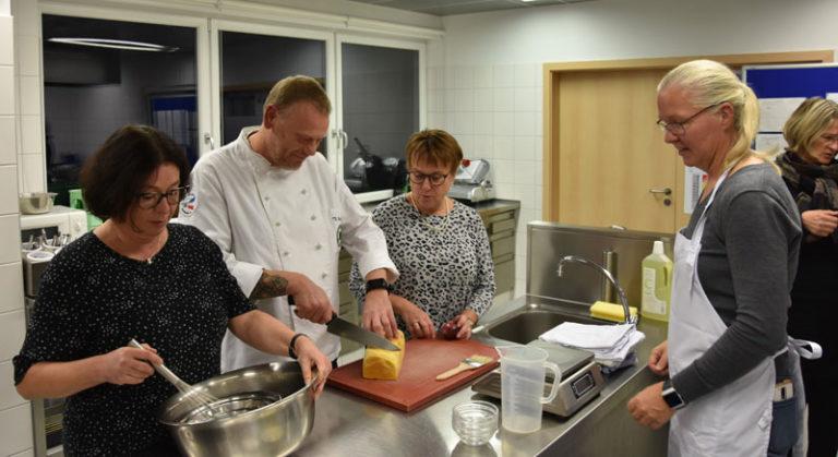"""Flensburg: Klimafreundlicher Kochkurs mit norddeutschem """"Schnüsch"""" und Kürbisbrot"""
