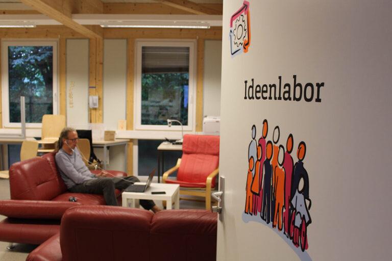 Im FabLab Ideenreich der Hochschule Flensburg geht der kreative Betrieb weiter – allerdings online