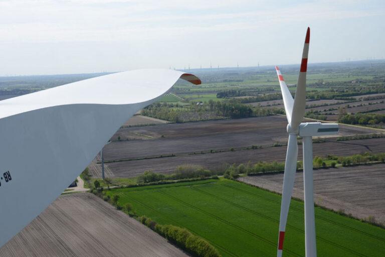 Windenergieanlage im eigenen Garten?  Hochschule Flensburg erforscht Voraussetzungen