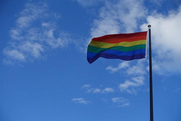 Flensburg tritt für Respekt und Anerkennung ein – Internationaler Tag gegen Homophobie