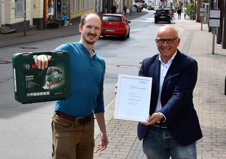 """Ole Lebendig erhält Auszeichnung """"Flensburgs Klimaschützer"""""""
